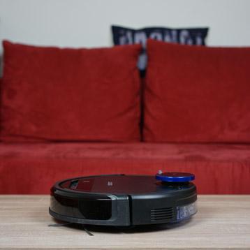 Ecovacs-Robotics-Deebot-Ozmo-930-Seitenansicht