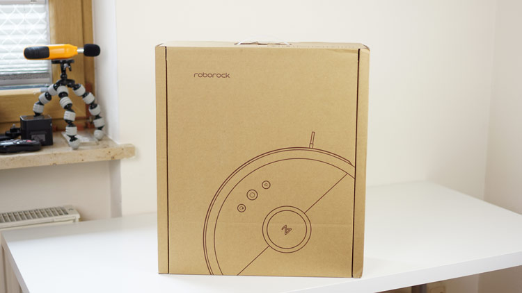 Roborock-Schriftzug-auf-S50-Verpackung