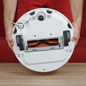 Xiaomi-Mi-Robot-Vacuum-2-von-unten