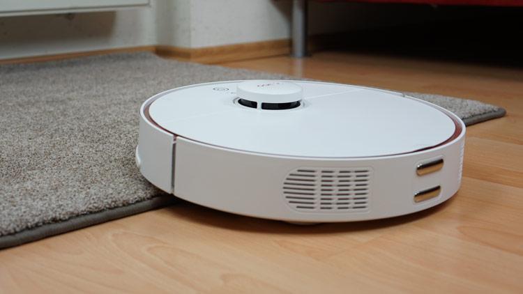 360-S7-faehrt-auf-Teppich