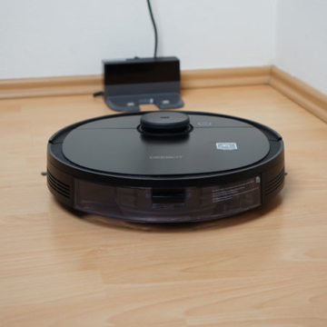 Ecovacs-Deebot-Ozmo-950-Galerie-Ladestation