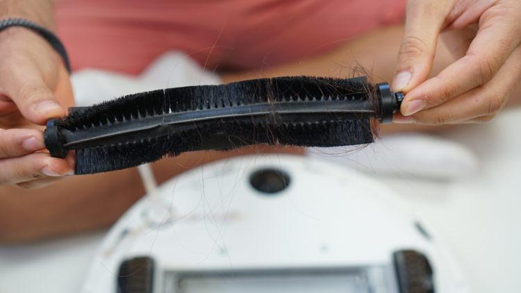 Teppichbuerste-360-S7-nach-Haartest