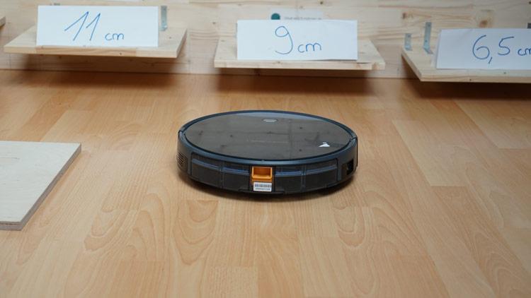 Roboter-faehrt-auf-unsere-Konstruktion-zu