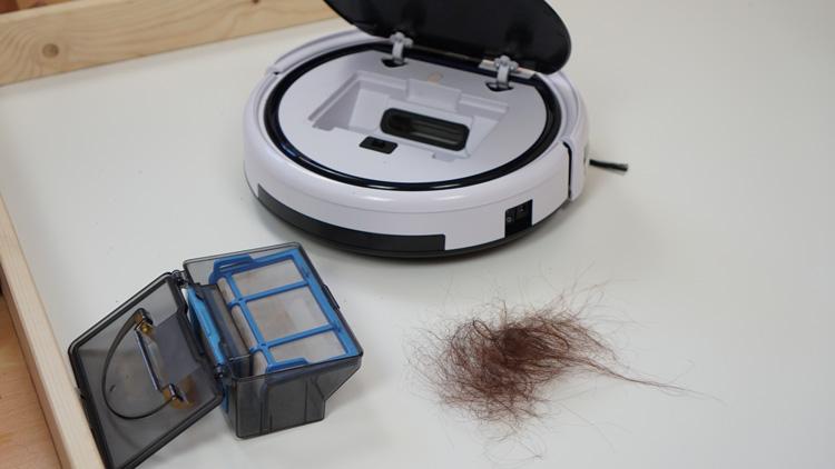 Haare-im-Saugbehaelter