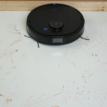 Galeriebild-Ecovacs-Deebot-Ozmo-T8-Wischtest