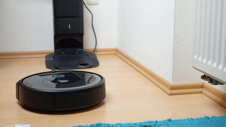 iRobot-i7+-parkt-ein